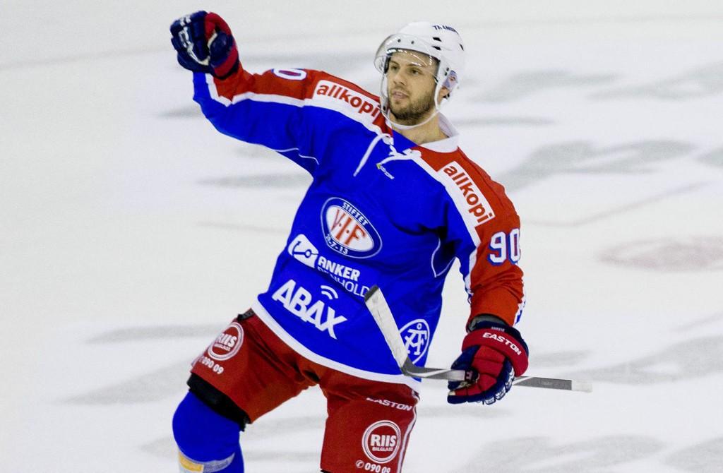 I FORM: Daniel Sørvik scoret to og hadde én assist mot Lillehammer.