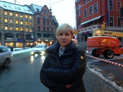 OVERRASKET: Journalist Adela Knapova er i Norge for å finne svar på det alle i tsjekkia lurer på. Hvordan kunne «Barnevernet» ta de tsjekkiske barna.