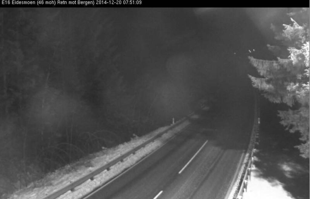 GLATT: Slik så det ut på E16 ved Eidesmoen mellom Voss og Dale lørdag morgen.