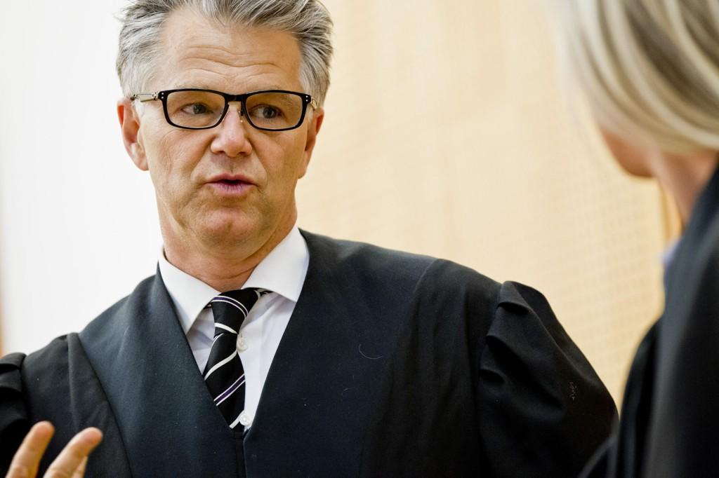 Advokat Øystein Storrvik forsvarer kvinnen som er dømt til 13 års fengsel for drapet på Pål Stener Johannessen (90).