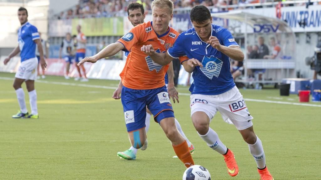 Jo Nymo Matland (27) spiller for Aalesund også kommende sesong. Han har forlenget avtalen med ett år.