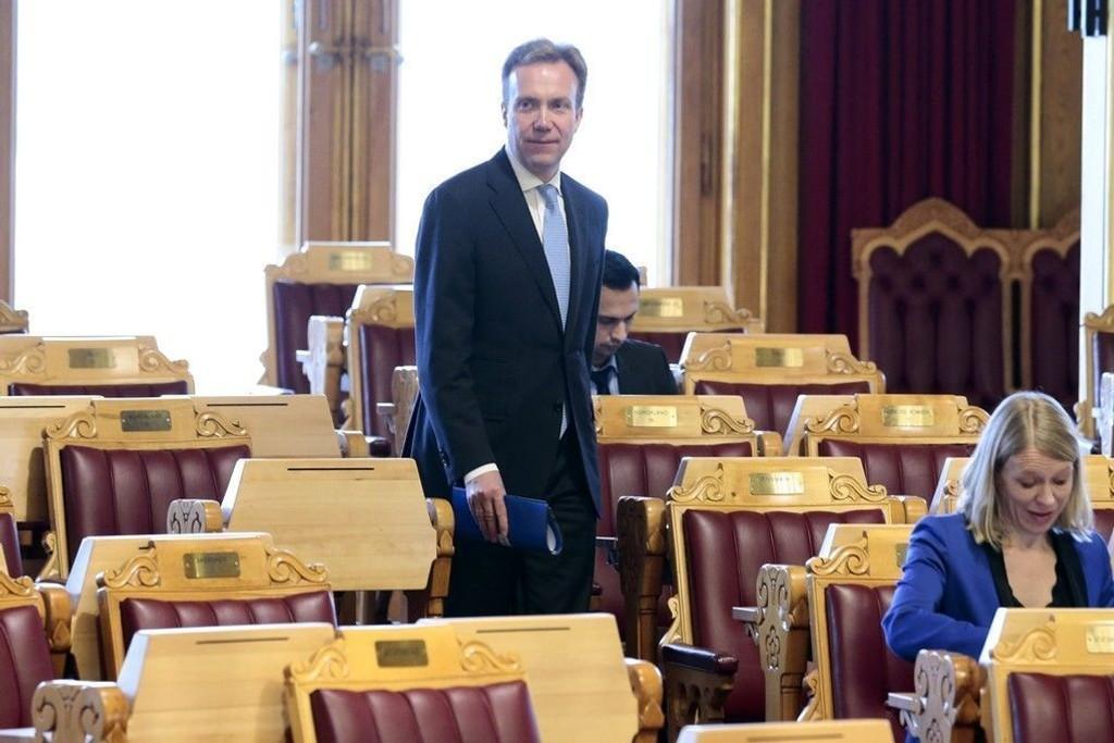 Utenriksminister Børge Brende (H) konkluderer med at norsk støtte til et internasjonalt forbud mot atomvåpen bryter med Norges forpliktelser som NATO-land.