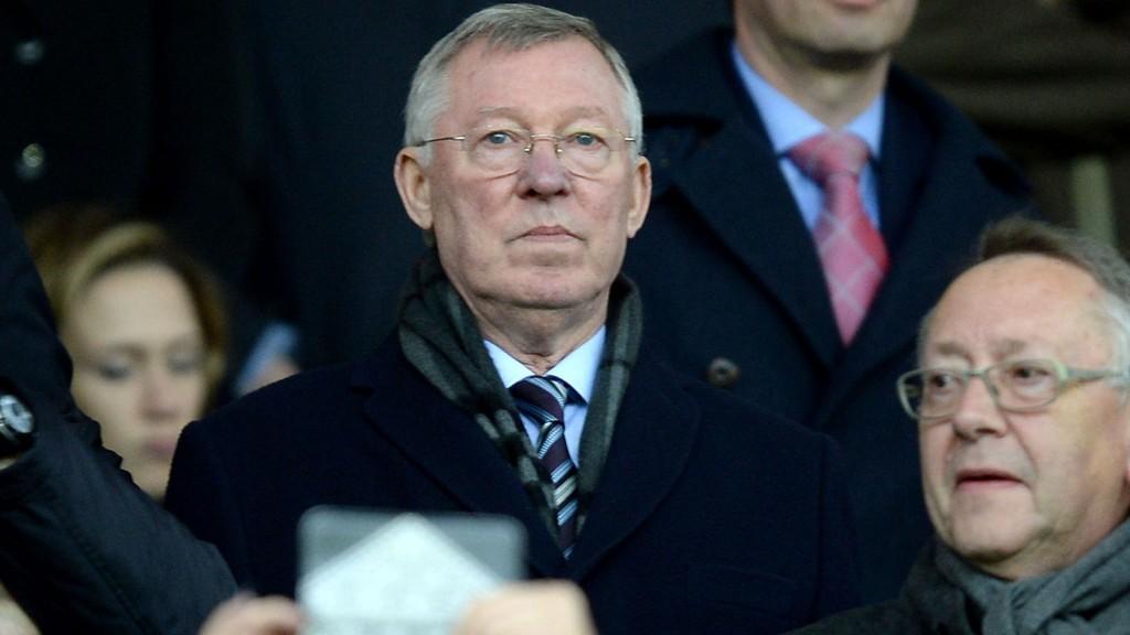 Sir Alex Ferguson følger fortsatt Manchester United tett.