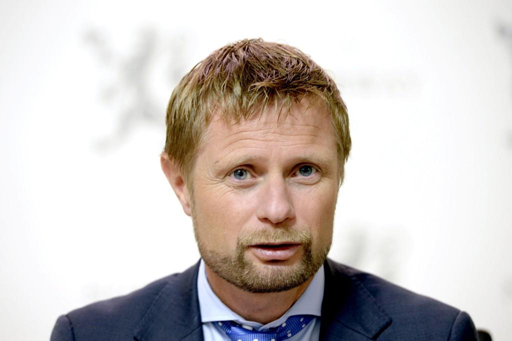 AVVISER: Bent Høie avviser at han har gitt noen instruks i sykehussaken, men sier han har gitt utrykk for at han helte mot Molde.