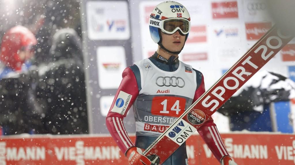 VIDERE: Phillip Sjøen er nummer 15 etter første omgang.