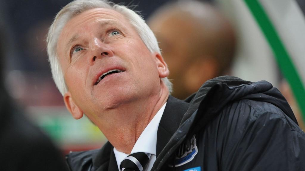 PÅ VEI BORT: Alan Pardew er på vei til Crystal Palace.