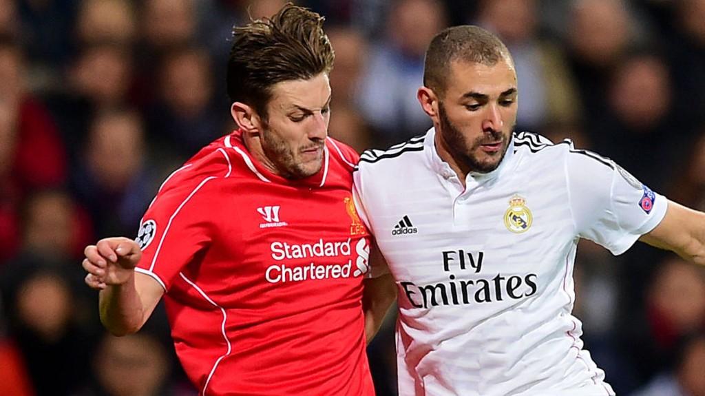 Liverpools Adam Lallana duellerer med Real Madrids Karim Benzema. Nå kan de bli lagkamerater i Liverpool.