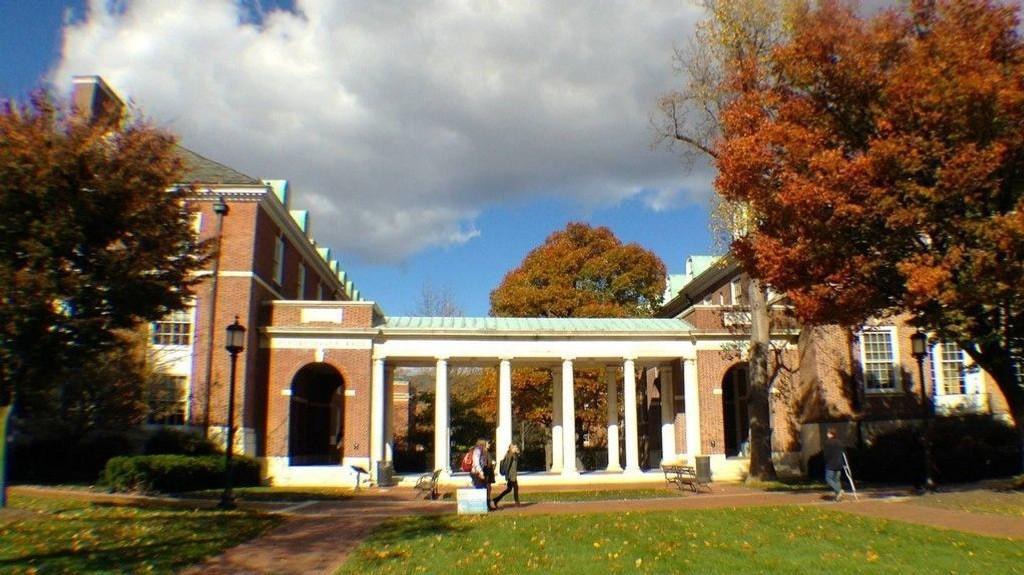 Johns Hopkins Universitetet i Baltimore.