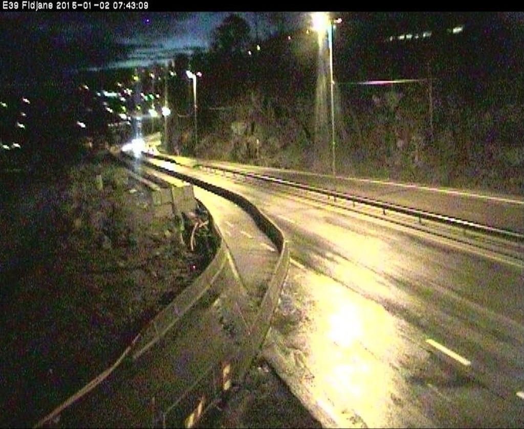 E39 ved Fidjane vest for Kristiansand fredag morgen klokken 07.43.