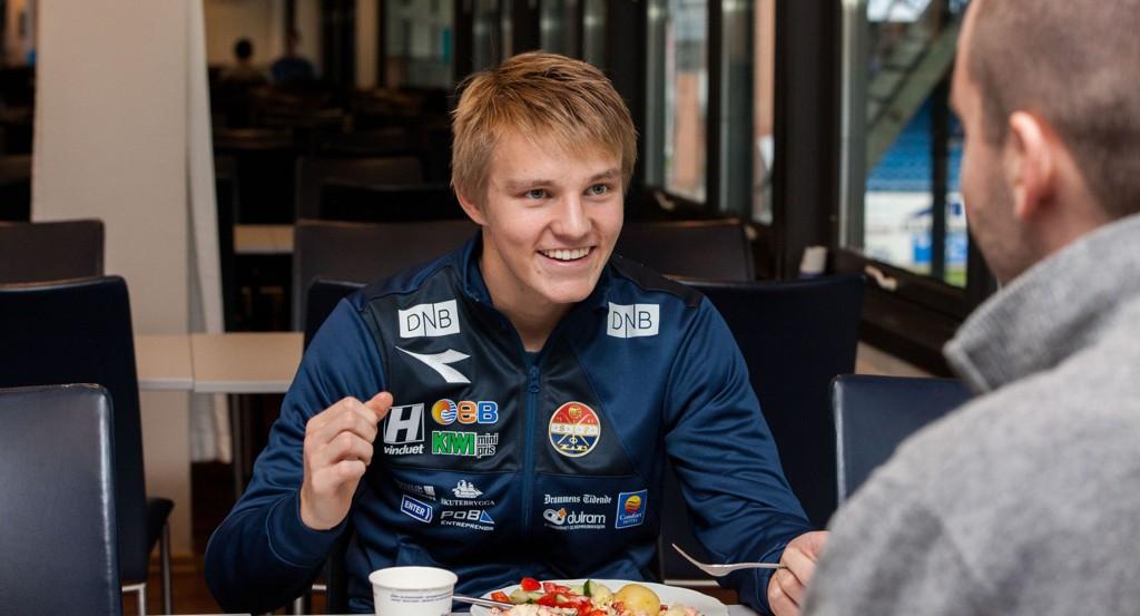 Fotballkometen Martin Ødegaard (16) har vært på «alles» lepper gjennom 2014. Neste helg kan han bli tidenes yngste prisvinner på Idrettsgallaen om han vinner i klassen årets gjennombrudd.