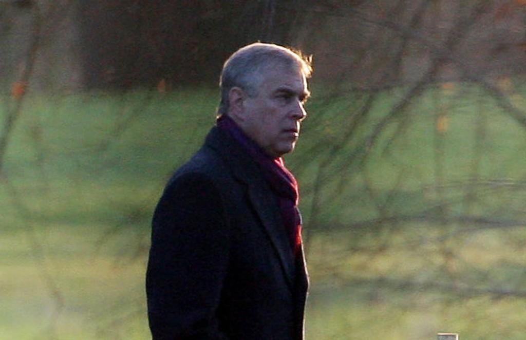 En kvinne som har rettet overgrepsanklager mot britiske prins Andrew (bildet), sier hun ikke vil la seg presse til å tie.