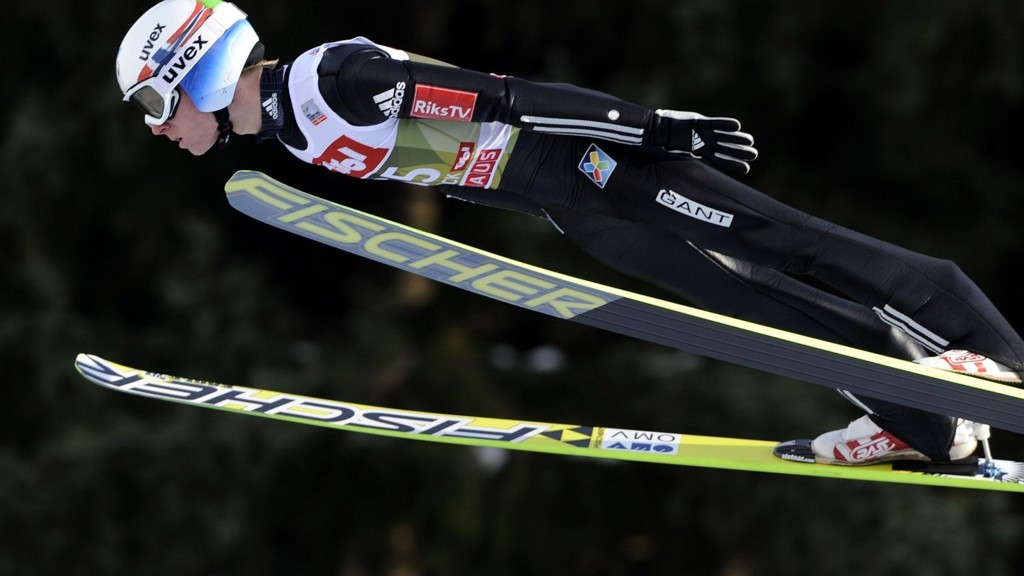 Norway's Rune Velta competes during a training session of the Four Hills competition (Vierschanzentournee) of the FIS Ski Jumping World Cup in Innsbruck on January 3, 2015. The third competition of the Four-Hills Ski jumping event takes place in Innsbruck before the tournament continues in Bischofshofen (Austria). AFP PHOTO / SAMUEL KUBANI