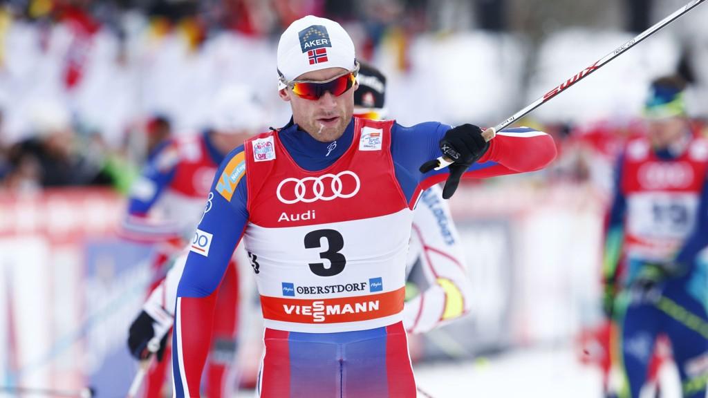 SPURTET INN TIL SEIER: Petter Northug spurtet fra konkurrentene og tok årets første verdenscupseier på jaktstarten i Oberstdorf.