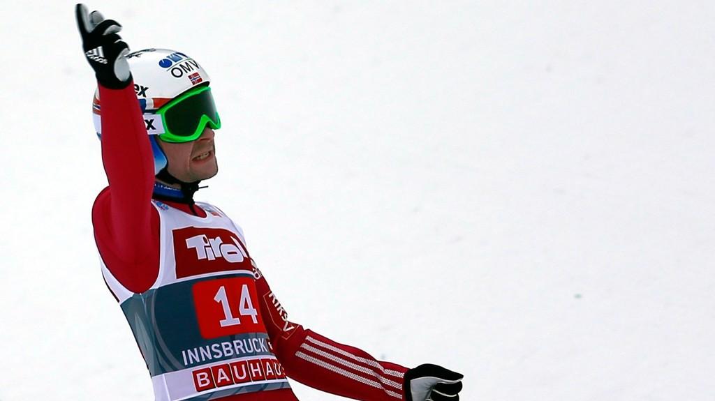 KANONHOPP: Anders Jacobsen klinte til med et hopp på 133,5 meter i førsteomgang i Innsbruck.