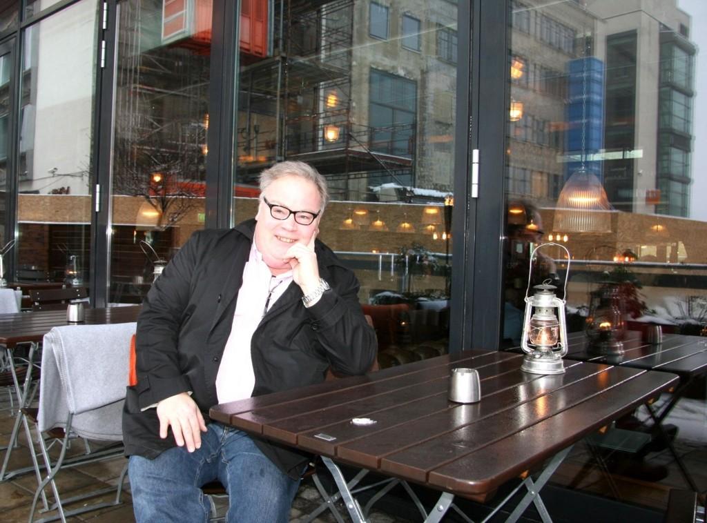 """LYN: Tidligere Lyn-spiller Bård Folke Fredriksen bor i Kjelsåsland, men tar gjerne en tur til Nydalen, som her til """"Bryggeriet"""". Foto: Kristin Tufte Haga"""