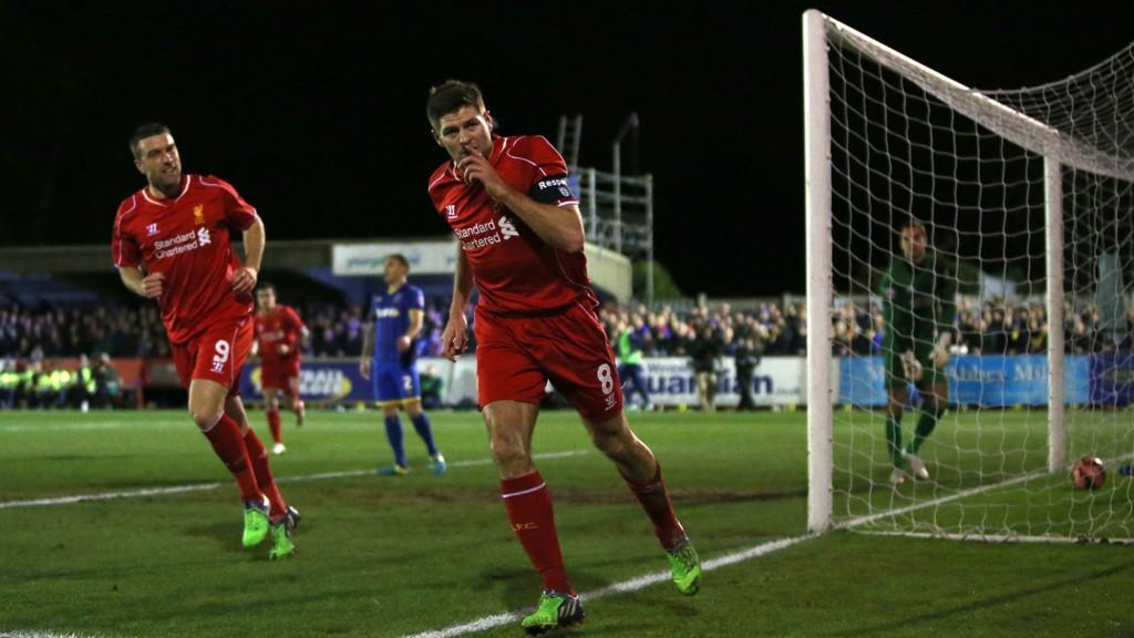 IKKE GOD NOK? Liverpools Steven Gerrard viste mandag kveld at han fortsatt holder et meget høyt nivå.
