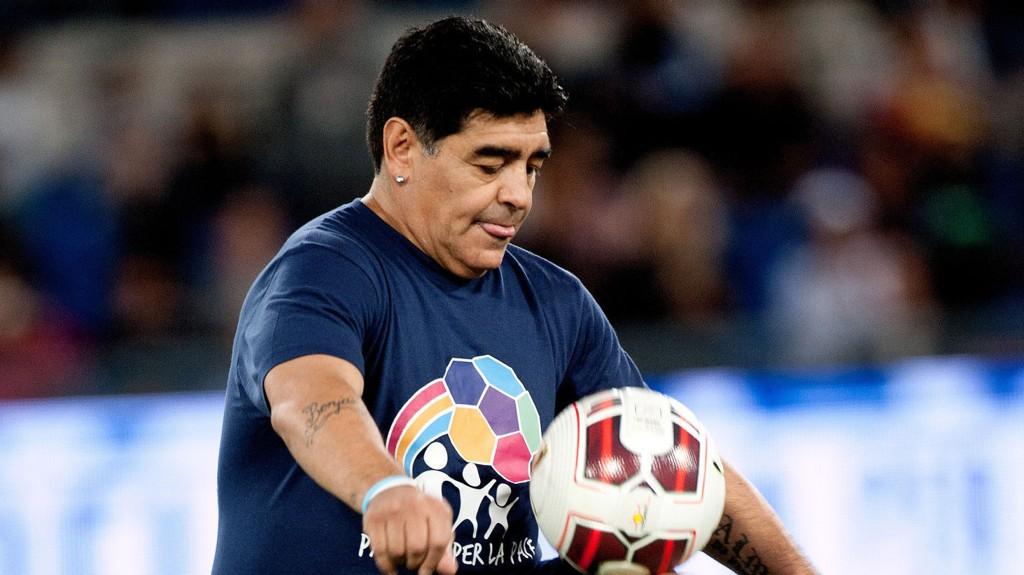 Diego Maradona mener landsmann Lionel Messi ikke fortjener gullballen. FOTO: NTB scanpix