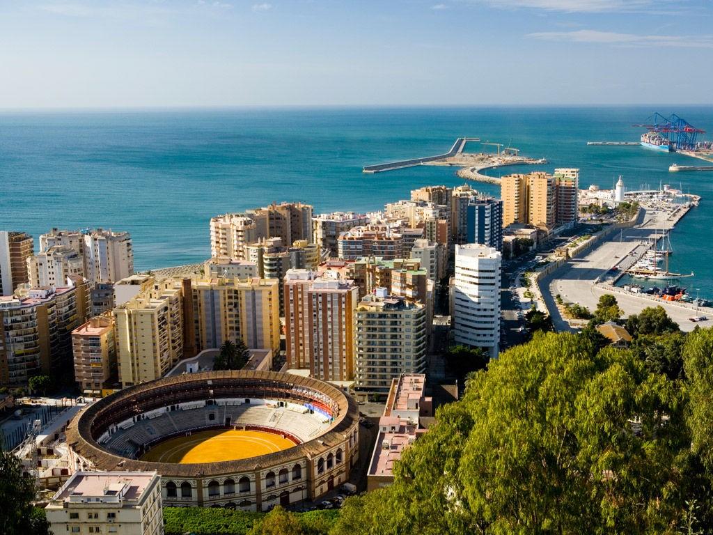 Det skal blant annet ha blitt kjøpt eiendom i Malaga.