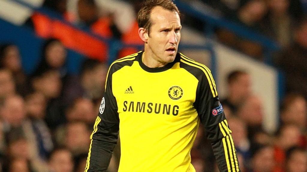 Leicester har sikret seg veterankeeper Mark Schwarzer (42) fra Chelsea.