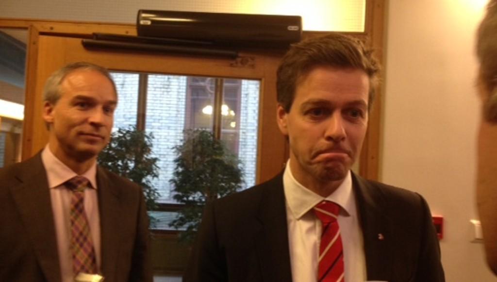IKKE FORNØYD: Knut Arild Hareide (KrF) sier han ikke stoler på vurderingene til Justisdepartementet, som har vært i Afghanistan og intervjuet tolkene og gitt dem avslag på søknadene om oppholdstillatelse.