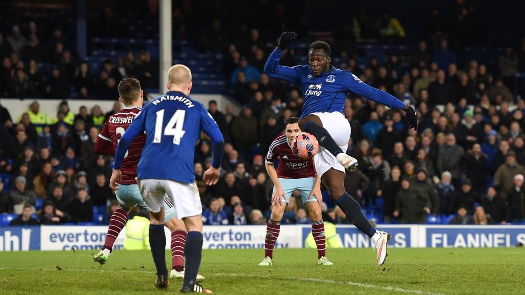 James Collins så lenge ut til å ha sendt West Ham til 4. runde i den engelske FA-cupen tirsdag, men på overtid sikret Romelu Lukaku 1-1 og omkamp for Everton.