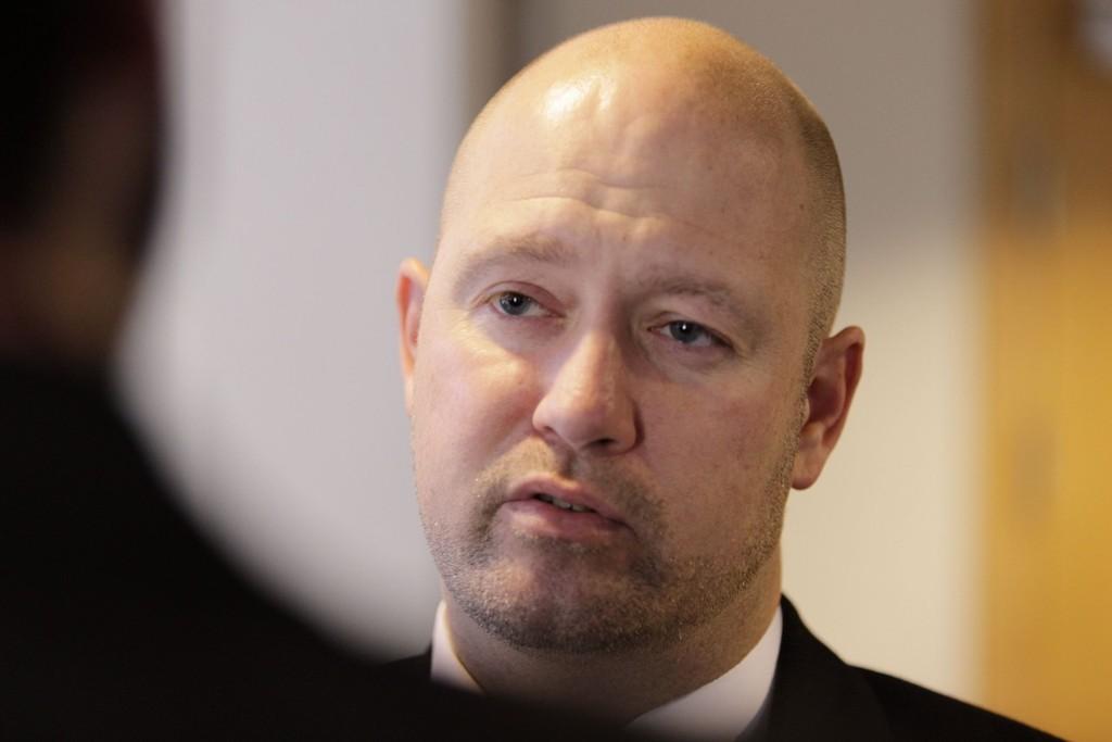 STORTINGET ONSDAG: Justis- og beredskapsminister Anders Anundsen (Frp) må svare for hva myndigheten visste om mobilovervåkingen.