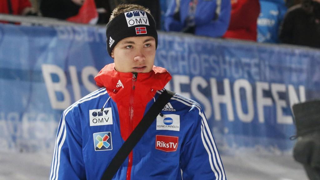 REISER HJEM FOR Å TRENE: Phillip Sjøen må vente på sin skiflygingsdebut.