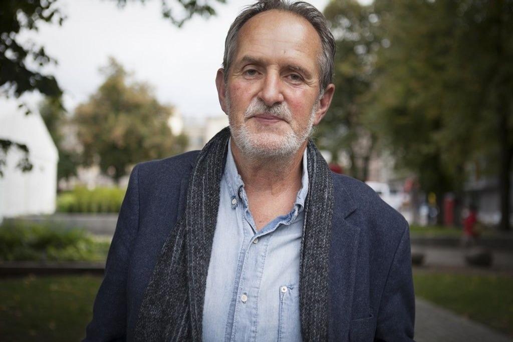 Michelet synes ikke mediene var feige under forrige karikaturstrid for ni år siden - han er dermed helt uenig med Åmås som selv var redaktør i Aftenposten.