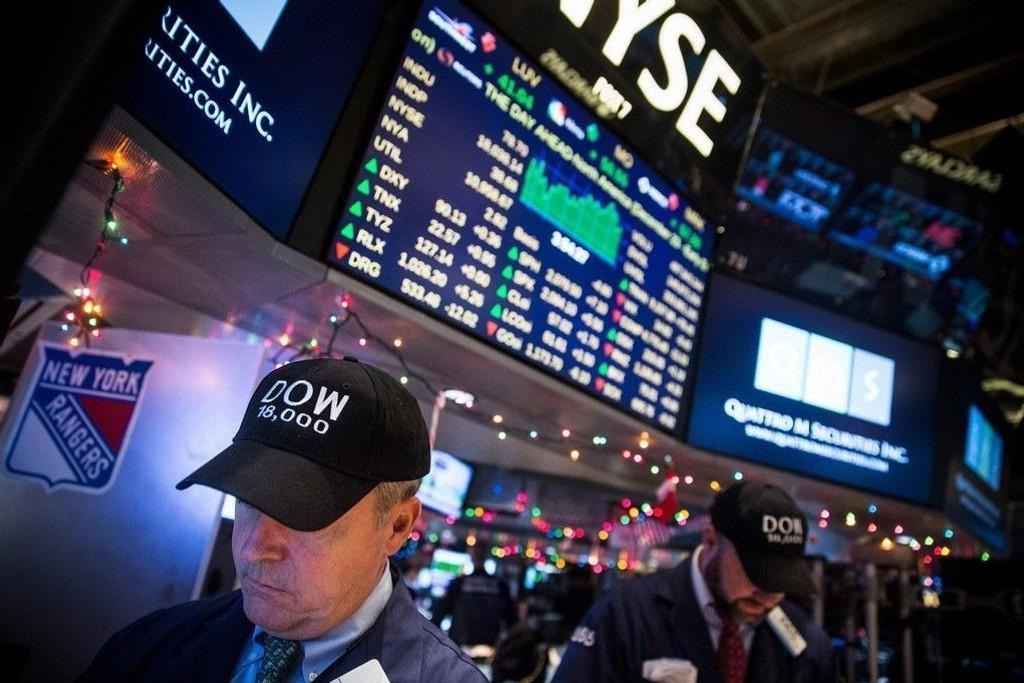 Dow Jones-indeksen skjøt opp 1,84 prosent til 17.907 poeng torsdag, S & P steg 1,79 prosent til 2.062 poeng, og indeksen på Nasdaq-børsen var opp 1,84 prosent til 4.736 poeng.
