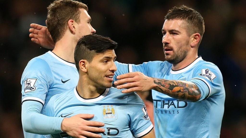 Manchester Citys Sergio Aguero (i midten) og Edin Dzeko (til venstre) er i full trening etter å ha vært ute en periode med skader.