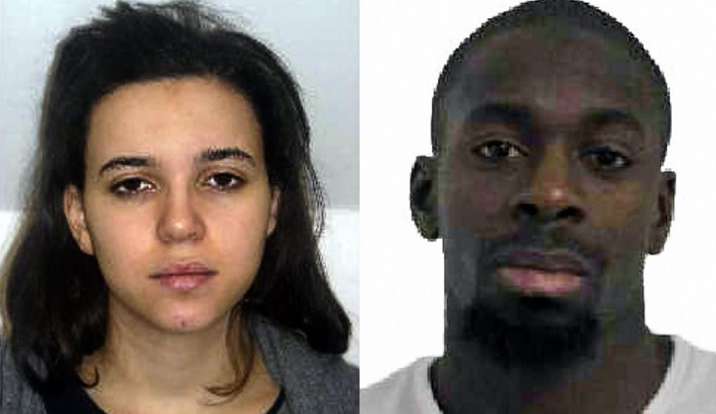 Politiet har lørdag ettermiddag ikke funnet Hayat Boumeddiere, kjæresten til Amedy Coulibaly som holdt gisler i en kosherbutikk i den franske hovedstaden dagen før.