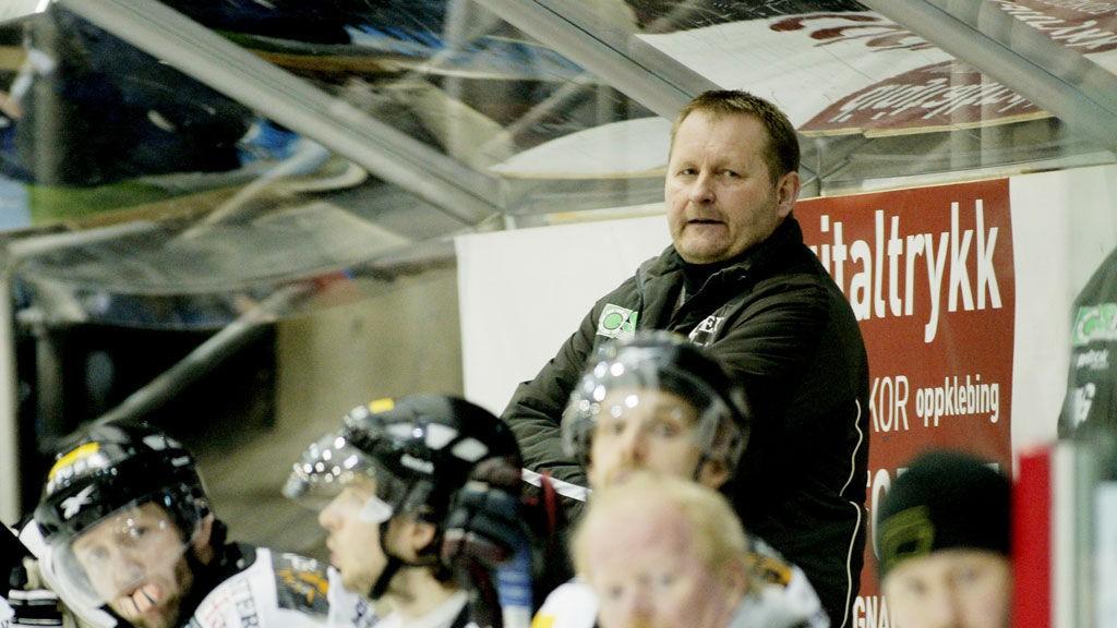 IKKE FORNØYD: Stavanger Oilers og Petter Thoresen fikk en god start på bortekampen mot Stjernen, men måtte til slutt se seg slått 4-2.