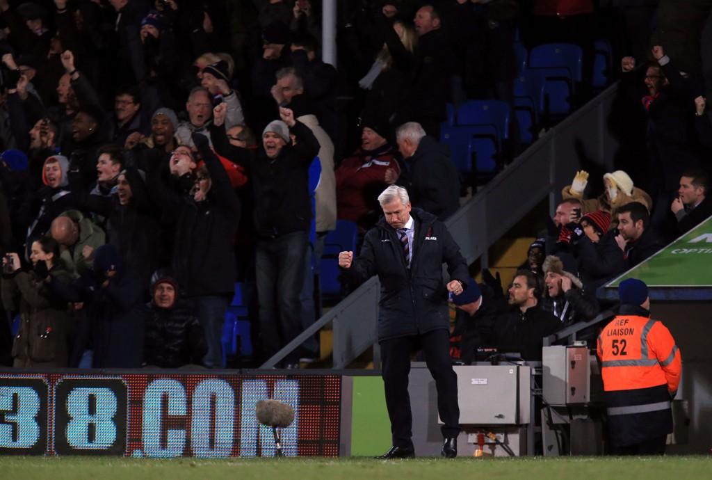 DRØMMESTART: Alan Pardew ledet Crystal Palace i Premier League for første gang, og fikk en pangstart med seier over Tottenham.