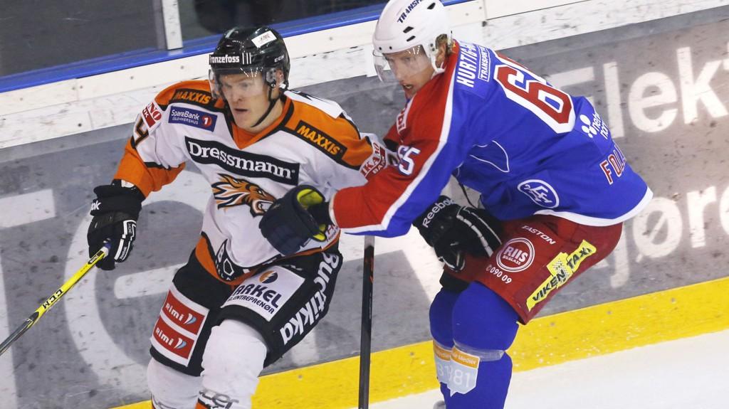 Frisk/Asker har vunnet ni matcher på rad og tar stadig poeng på serieleder Stavanger Oilers.