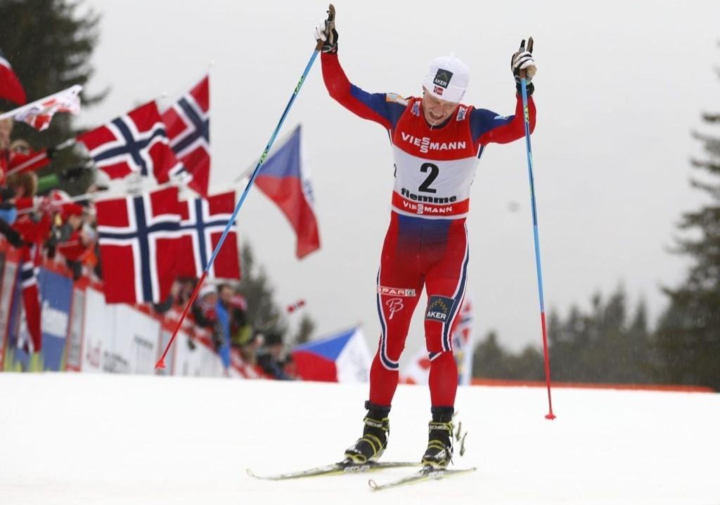 VANT: Martin Johnsrud Sundby juber for seier.