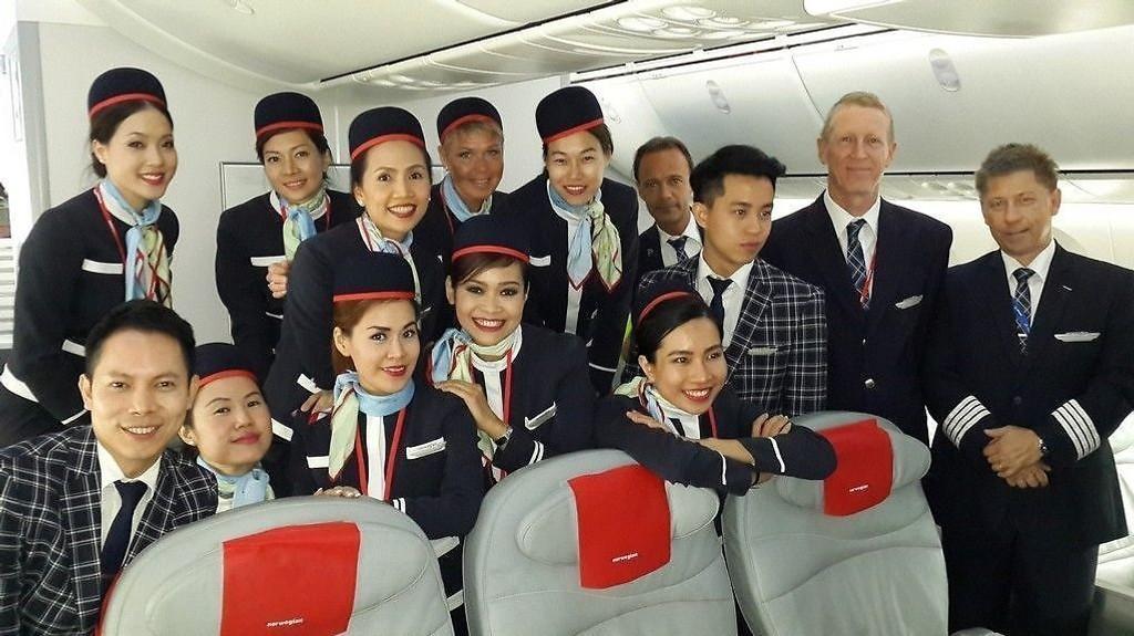 THAILANDSKE FLYVERTINNER: På Norwegians interkontinetale flygninger, som her fra Bangkok til Oslo, er kabinpersonalet fra Thailand.