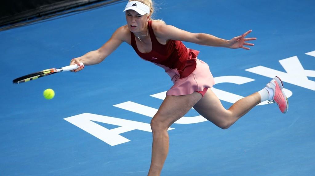 Kun én uke før årets første Grand Slam i tennis, måtte danske Caroline Wozniacki trekke seg fra WTA-turneringen i Sydney med skade.
