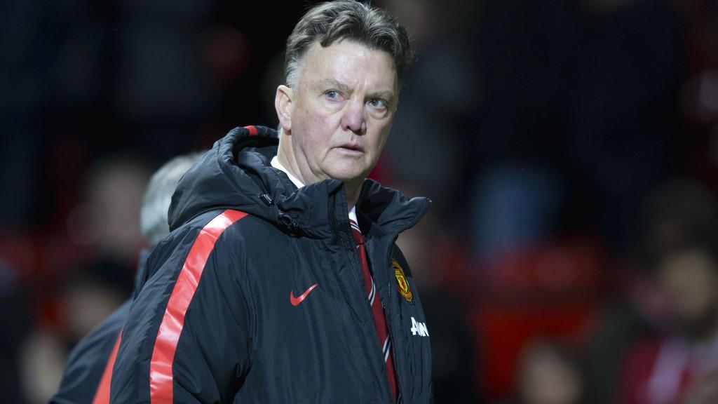 Manchester United håpet Louis van Gaal raskt skulle løfte klubben til gamle høyder. Foreløpig er nederlenderen på Moyes-skjema.