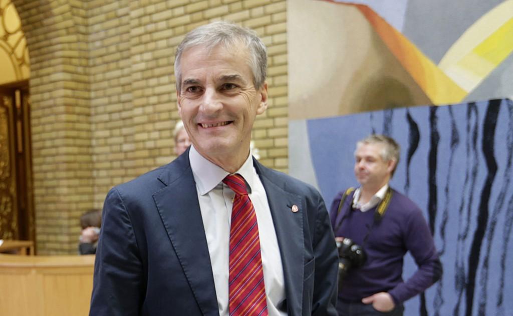 POPULÆRT PARTI: Arbeiderparti-leder Jonas Gahr Støre kan trygt smile over tallene som viser at han leder et populært parti.