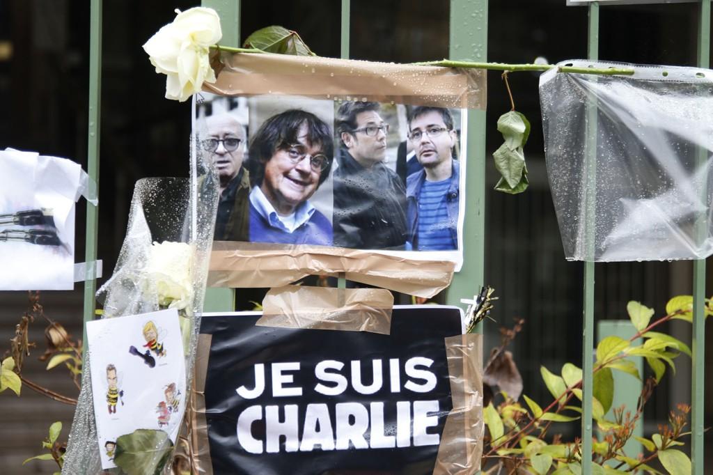 I helgen har det vært markeringer mot angrepet en rekke steder i Europa. Tegnerne Georges Wolinski, Cabu, Tignous og Charb, som også var bladets redaktør, var blant de drepte i angrepet.