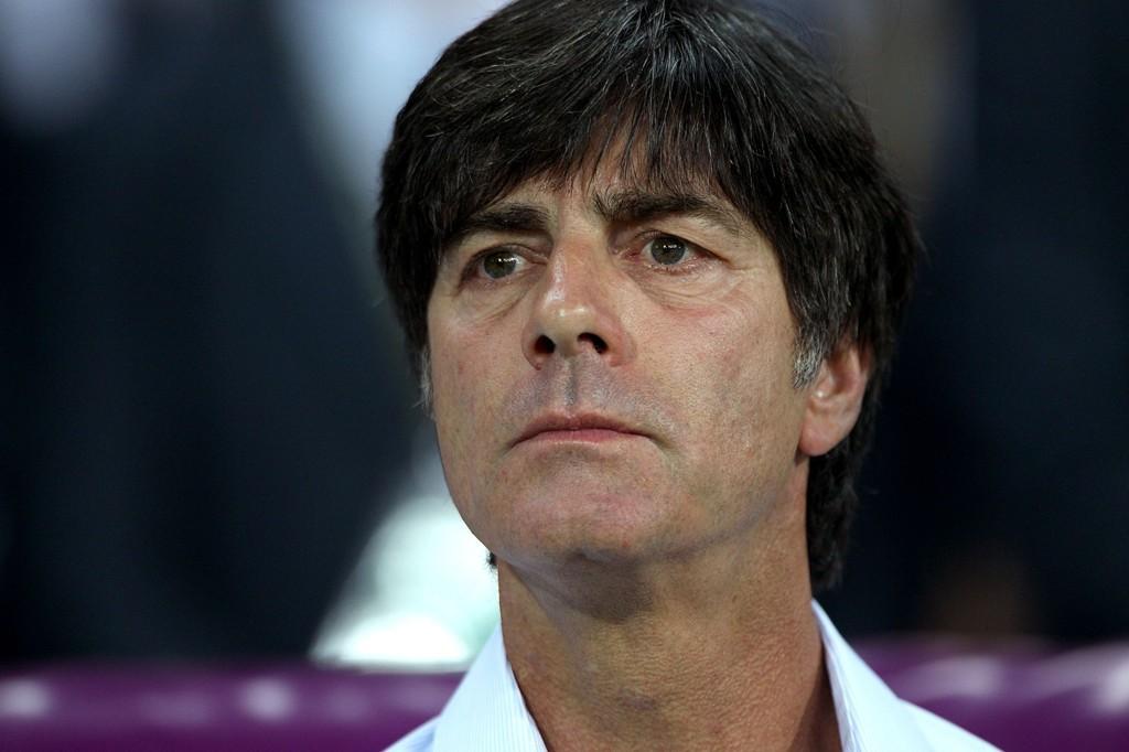 Den tyske landslagssjefen Joachim Löw mener fotballen vil bli bedre om det blir tillatt med fire innbyttere i hver kamp.