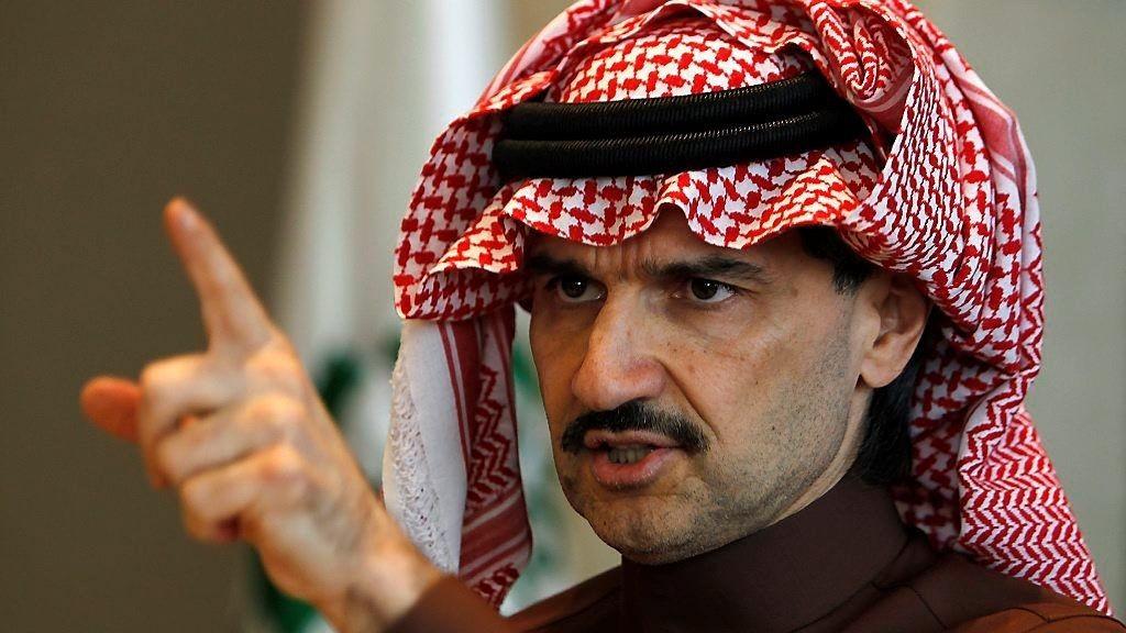 I et intervju med USA Today sier Saudi-Arabias prins Prince Alwaleed at landet hadde tapt mye på å kutte i oljeproduksjonen som svar på lavere priser.