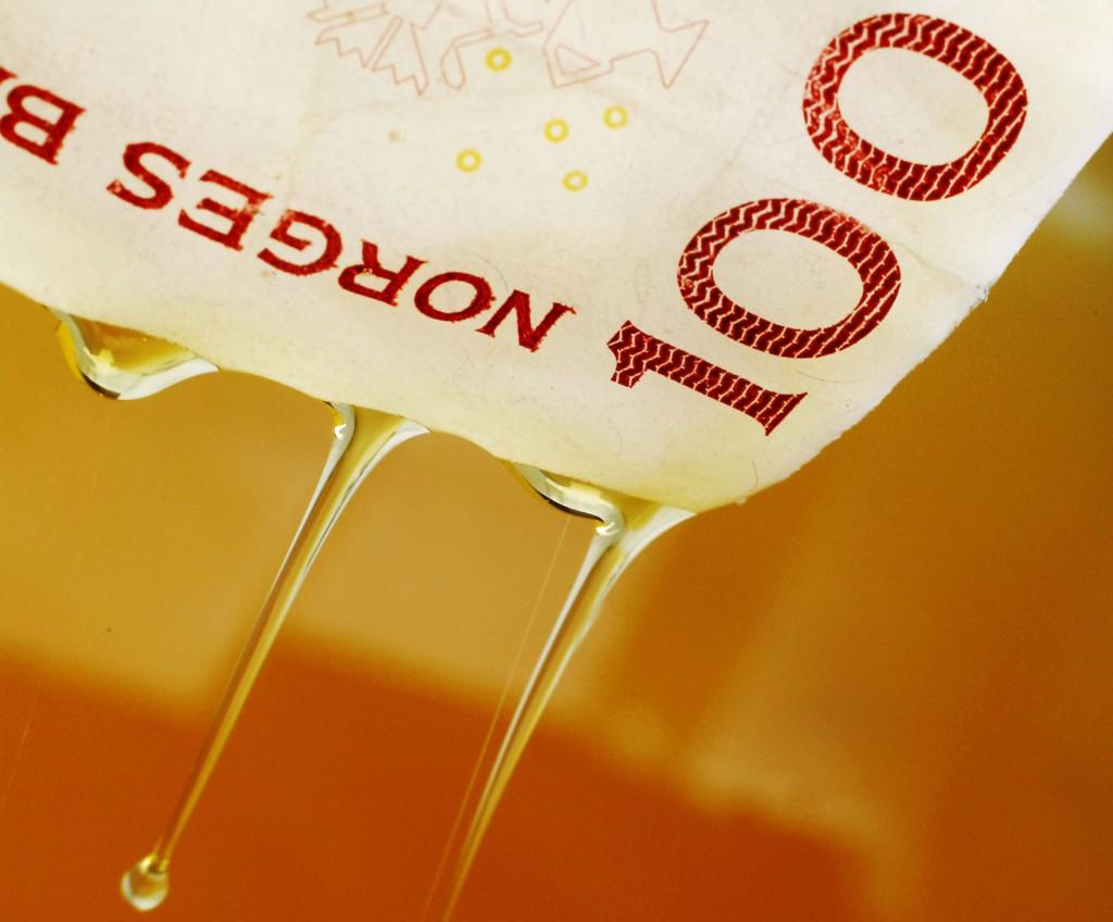Oljeprisen stuper videre tirsdag.