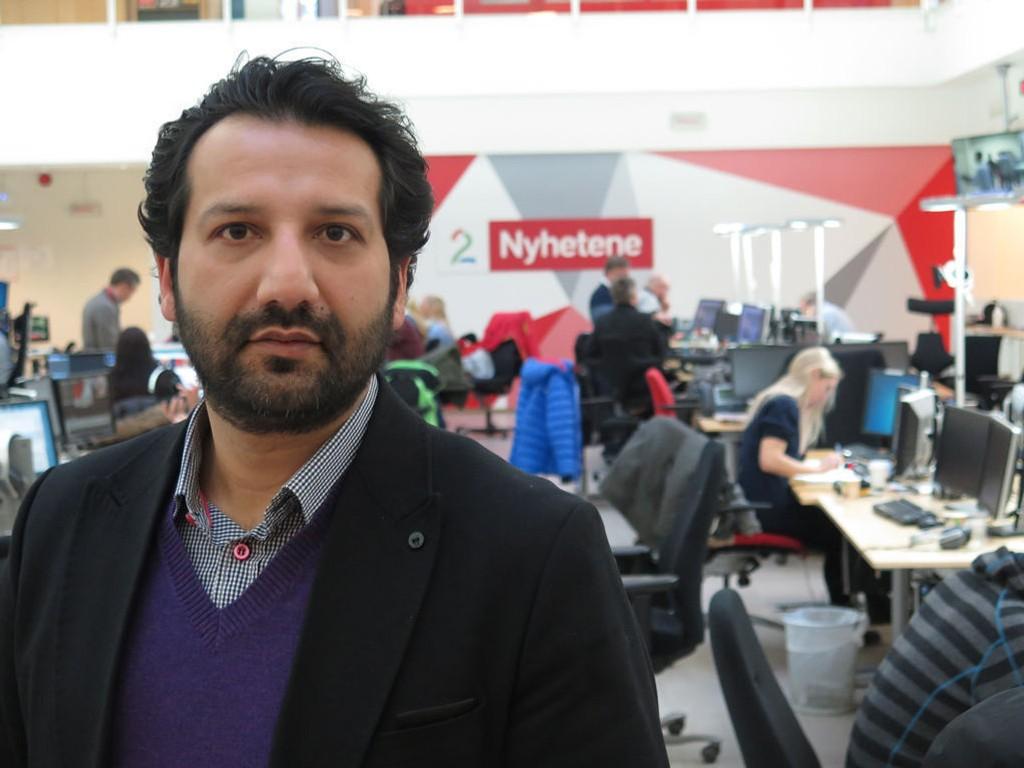 BLE HETSET: TV 2-reporter Kadafi Zaman ble hetset på direkten under Pegida-demonstrasjonen i Oslo mandag. I etterkant har han fått en rekke støtteerklæringer.