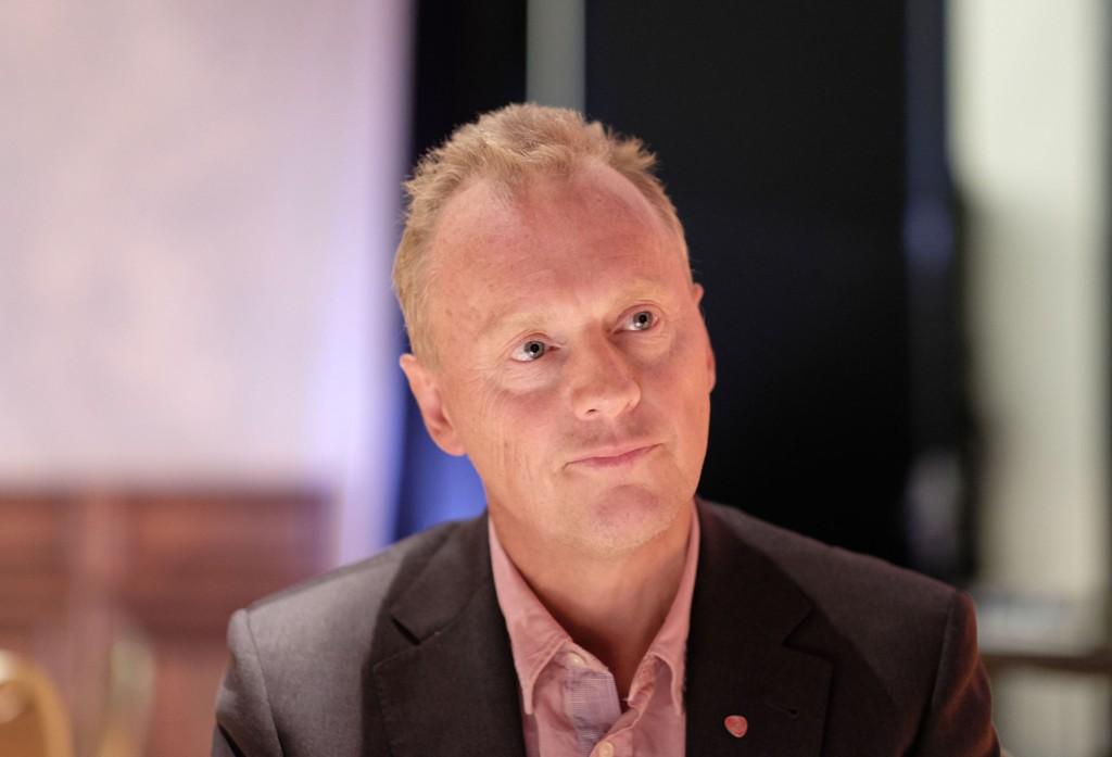 – Jeg vil ikke spekulere på årsaken til fallet etter terroren, sier partisekretær Raymond Johansen.