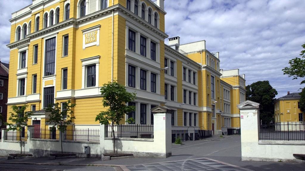 Uranienborg skole har fått pris for sitt langvarige arbeid mot rasisme.