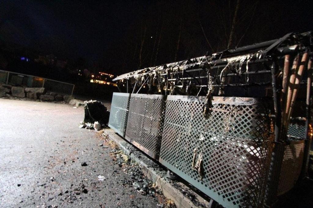 Dette returpunktet ved Fjellsenteret er ett av tilfellene politiet mistenker at en brannstifter har tent på de siste fjorten dagene.