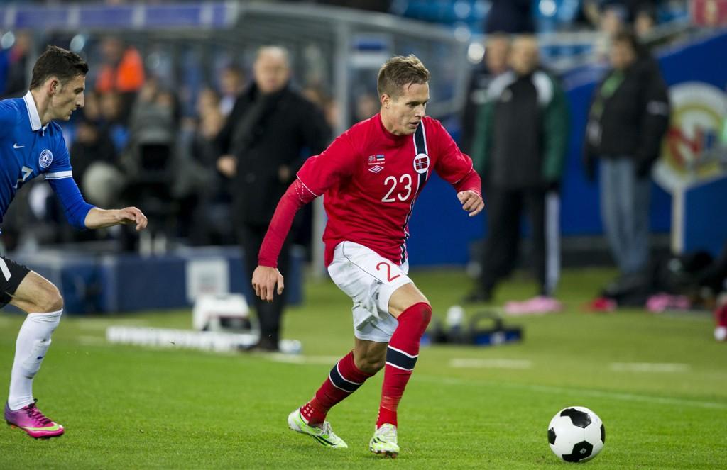 Anders Konradsen pådro seg en streng utvisning da Rennes ble slått ut av den franske ligacupen tirsdag. Her er han i aksjon for landslaget.