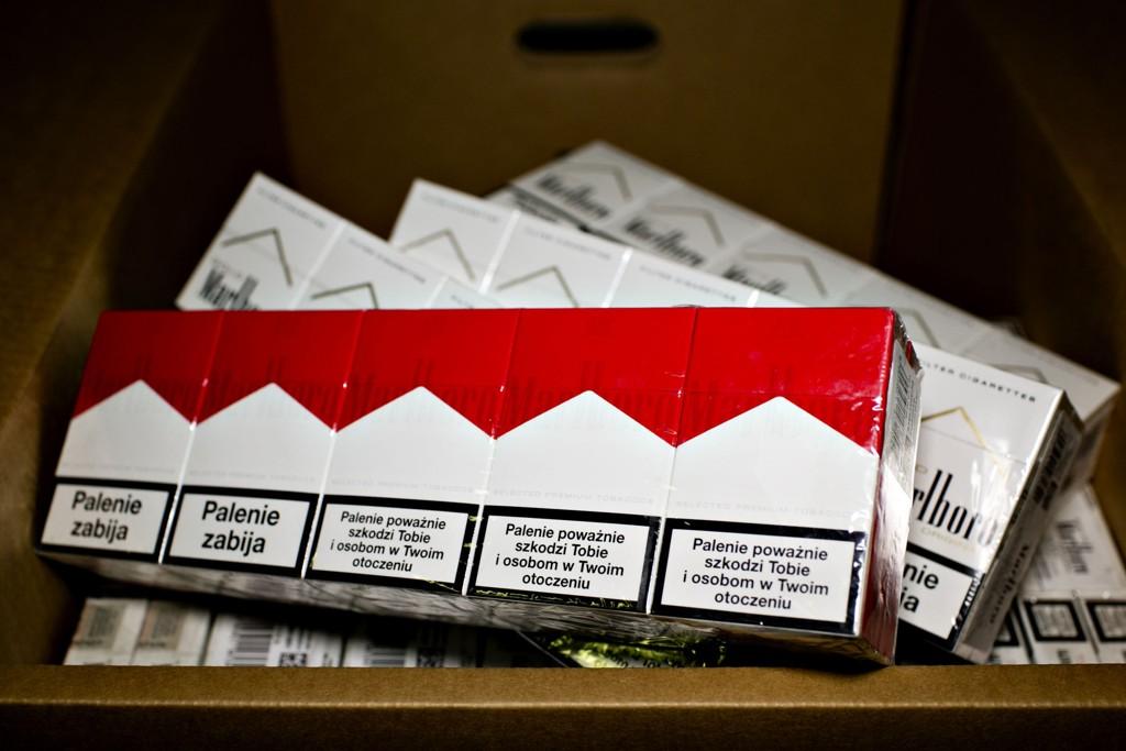 Ny undersøkelse viser at omfanget av sigarettsmugling til Norge er mye større enn det politikerne vil innse, mener Philip Morris Norge.