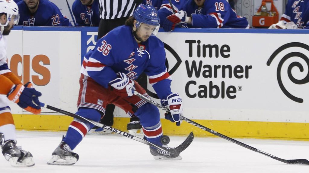TUNGT TAP: Mats Zuccarello og Rangers ble ydmyket av naborivalen.